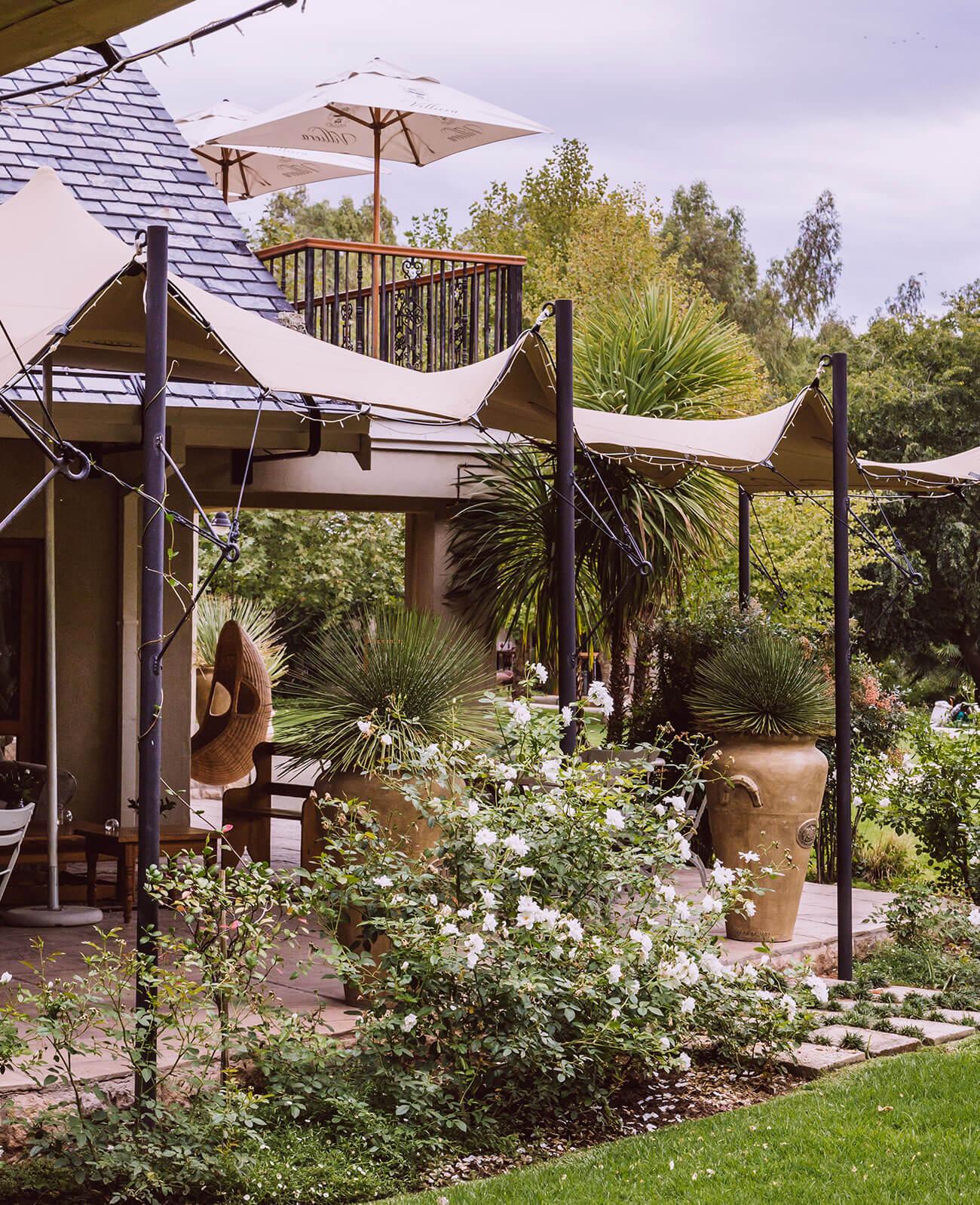 Luxury-River-Accommodation-Douglas